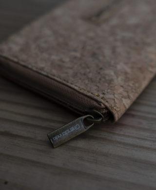 Cork Vegan Wallet : An Alternative to Leather
